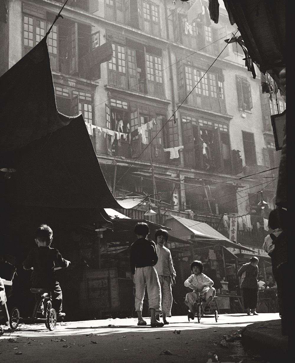 Fan hos street photography of 50s 60s hong kong