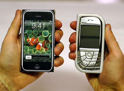 iPhone vs. Nokia 7610