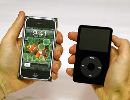 iPhone vs. 5G iPod