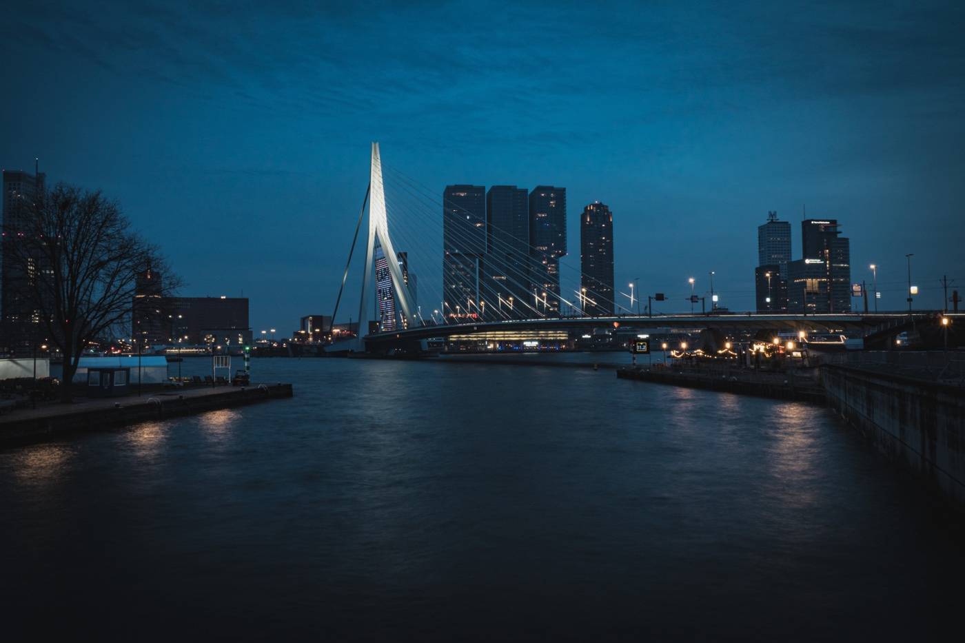 Rotterdam at night by Joël de Vriend