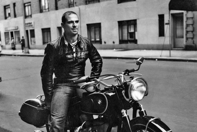 oliver sacks essays Oliver sacks in oxford in 1953 (photograph: david drazin)  essays in biography  the results were in the times that weekend i, oliver wolf sacks, had won the .