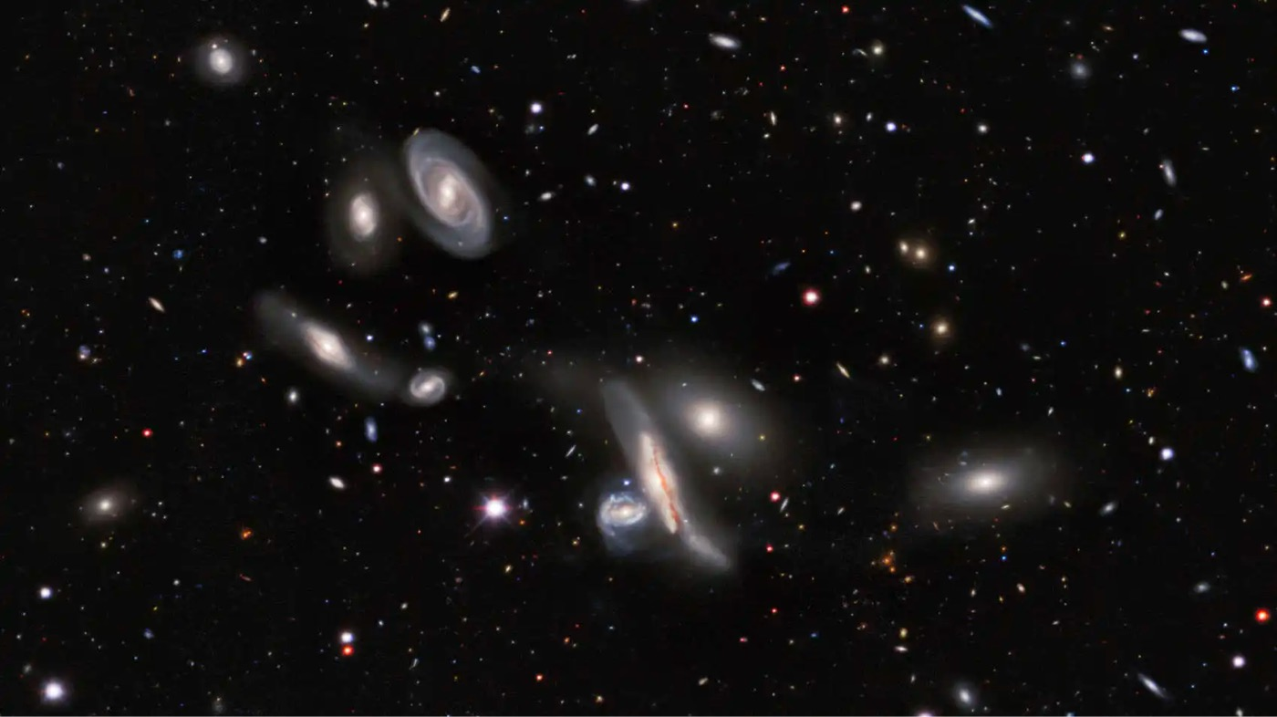 This New 10 Terapixel Image of the Night Sky Contains 1 Billion Galaxies - kottke.org